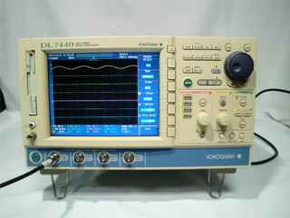 オシロスコープ(DL7440) 7014 60-M-J1/B5/N4/C10/F8(3a0577)