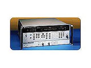標準信号発生器 8657A(3a0604)